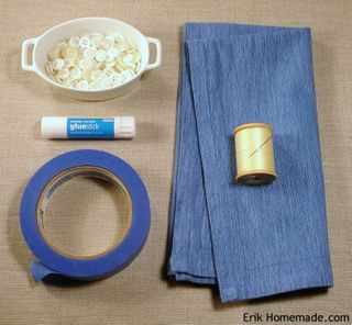Button-trimmed napkin supplies