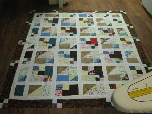Kristen's (from sewchaos.blogspot.com) 'different border' Scrap Pile Mystery Quilt